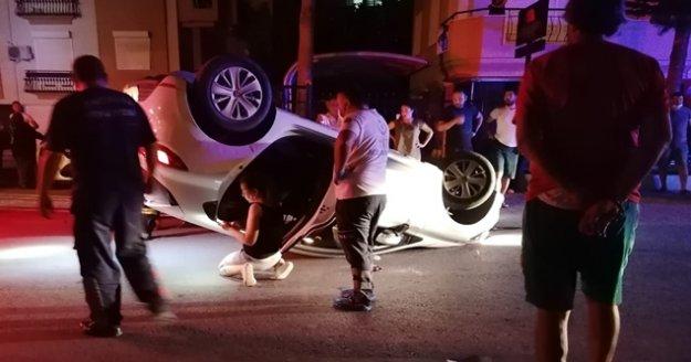 Alkollü sürücü park halindeki araca çarpıp takla attı: 1 yaralı