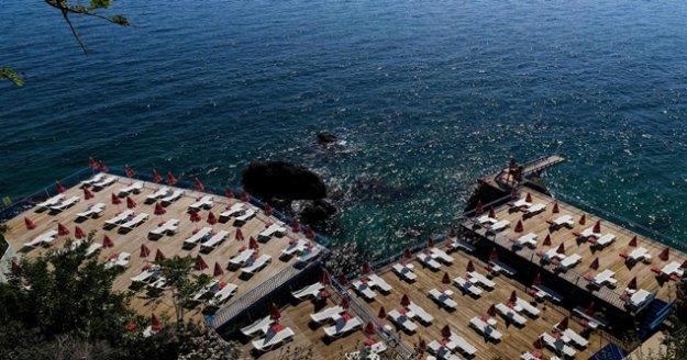 Antalya'nın falez plajları Pazartesi açılıyor