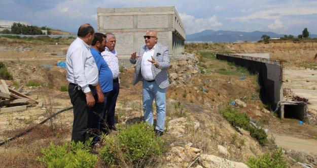 Başkan Şahin hal inşaatını inceledi