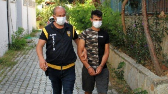 Alanya'da 4 evi soydu, 4 motosikleti çaldı