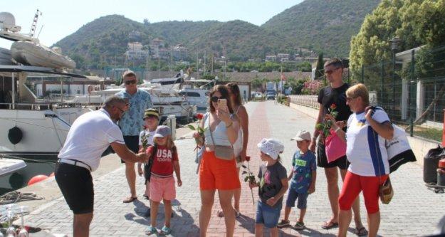 Alanya'da lüks tekneler sezonu Ukraynalı turistlerle açtı