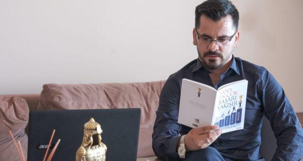 Alanyalı yazar satış rekoru kırdı