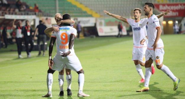 Alanyaspor, Galatasaray'ı Oba'ya gömdü: 4-1