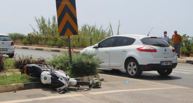 Alanya'da otomobille motosiklet çarpıştı: 1 ağır yaralı var