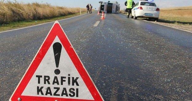 Alanya'da kamyonetle otomobil çarpıştı: 1 yaralı