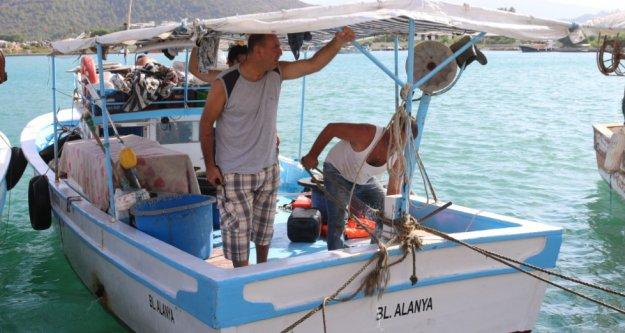 Gazipaşa'da dalgalı denizde can pazarı