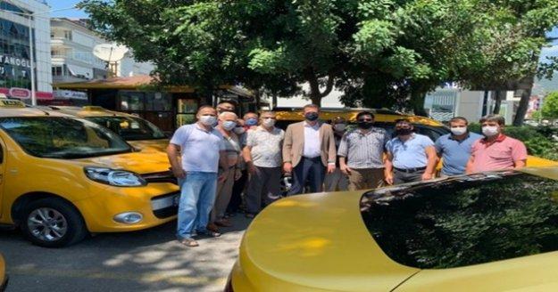 Kaymakam Ürkmezer taksicilerle buluştu