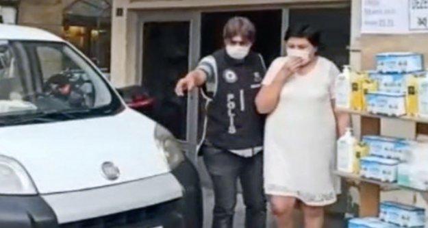 Yabancı uyruklu şahıslara 3 bin 300 TL'ye sahte ikamet belgesi veren 2 kişi tutuklandı
