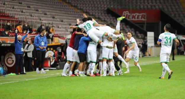 Alanyaspor, Galatasaray'ı yenip liderliğe kuruldu