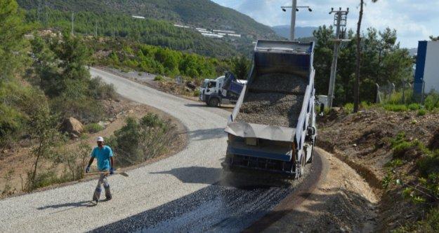 Alanya'da 3 mahalle yolu asfaltlanıyor