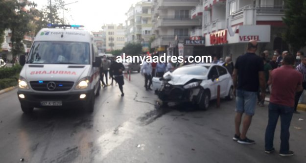 Alanya'da feci kaza: 2 kadın yaralı var