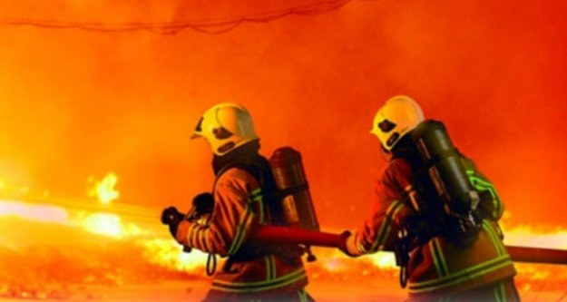 Alanya'da korkutan yangın! Alevler evi sardı