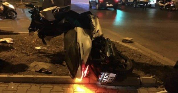 Alanya'da demir levhaya çarpan sürücü ağır yaralandı