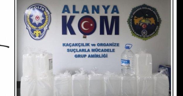 Alanya'da polis sahte içkiye göz açtırmadı