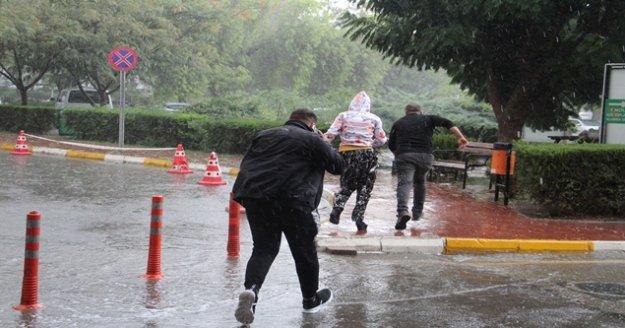 Antalya'da dolu yağışı