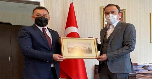 Başkan Yücelin Ankara ziyaretleri sürüyor