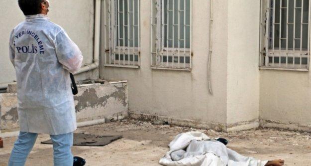 Herkes anteni tamir ediyor sandı, cesedi beton zeminde bulundu