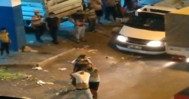 Pazarcı esnafı kavgada koltuk değneğiyle saldırdı