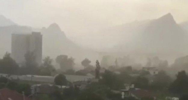 Toz fırtınası kameraya böyle yansıdı! Meteoroloji'den yeni uyarı var