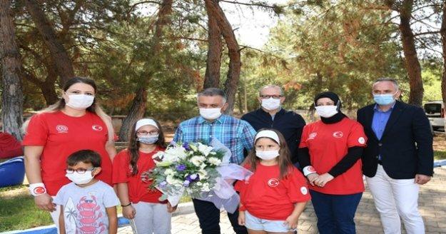 """Vali Yazıcı, 'Sağlık Çalışanları Anne ve Kız Kampı""""na katıldı"""