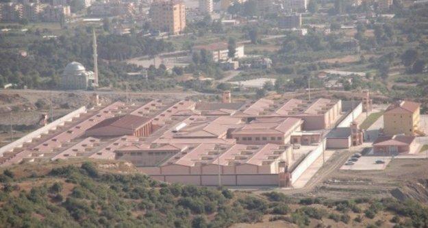 Alanya Cezaevinde bir mahkum canına kıydı