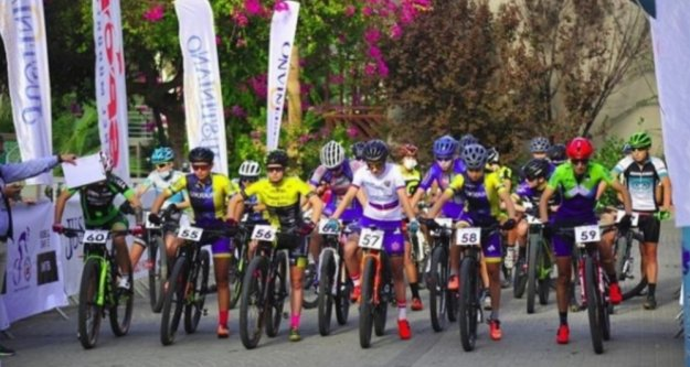 Alanya'da 52 sporcu pedal çevirdi