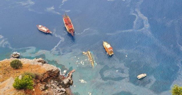 Alanya'da batan tur teknesinden 32 Rus turist sağ kurtarıldı