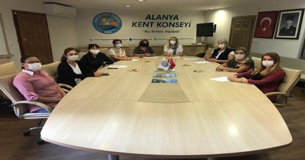 Alanya'da kadın meclisi toplandı