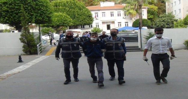 Antalya'da kafelere dadanan 2 şüpheli, 10 iş yerinin bahşiş kutusunu çaldı