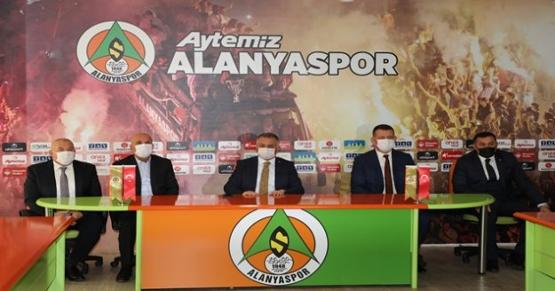 Antalya Valisi Yazıcı, Başkan Çavuşoğlu'nu kutladı