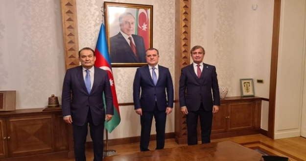 Azerbaycan'a Dev Destek