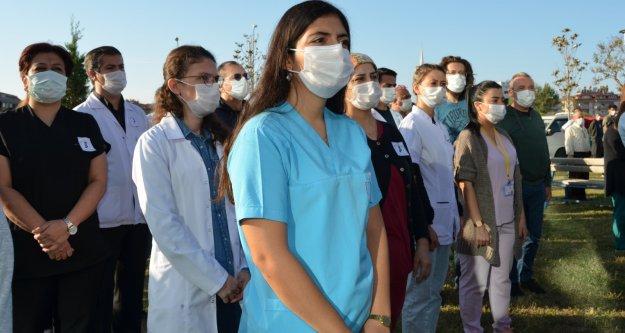 Sağlıkçılar Atatürk'ü unutmadı