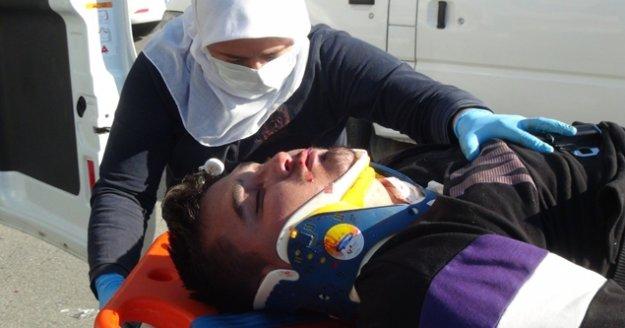 Ticari araç motosikletle çarpışan motosiklet sürücüsü ağır yaralandı