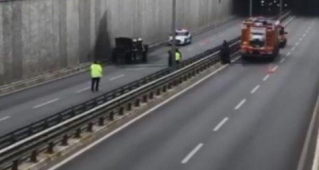 Alanya'da seyir halindeki araç alev alev yandı