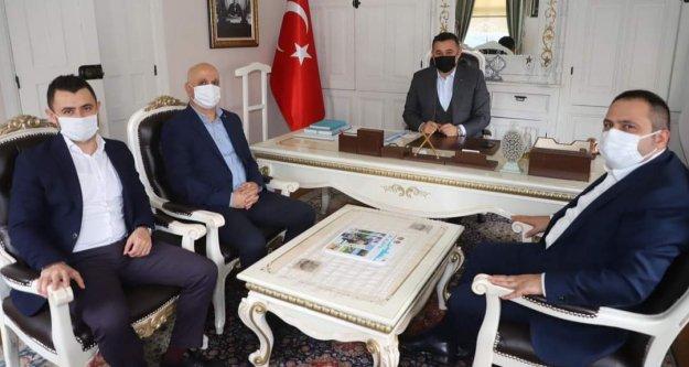 Başkan Yücel ziyaretçilerini ağırladı
