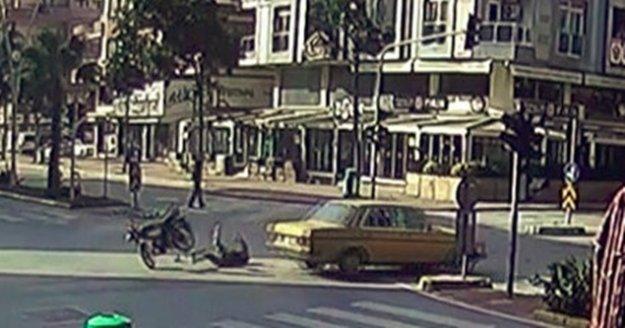 Bomboş bulvarda birbirlerine girdiler, motosiklet sürücüsü ölümden döndü