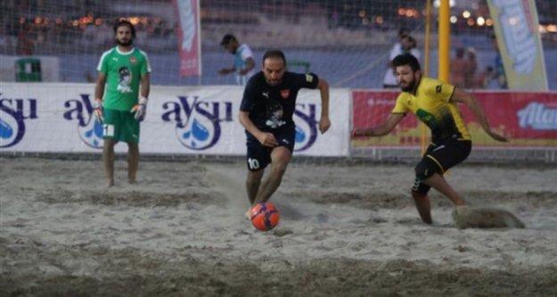 Alanya Belediyespor'dan plaj futbolunda büyük gurur!
