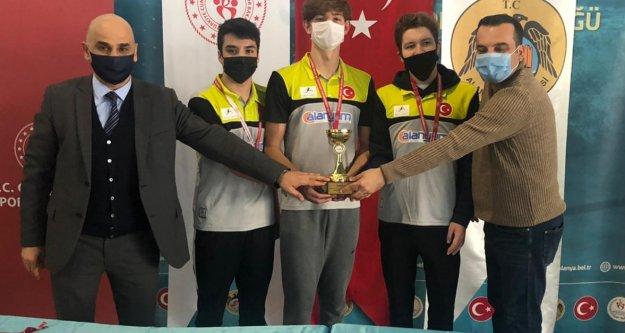 Alanya Belediyesporlu triatletlerin başarısı