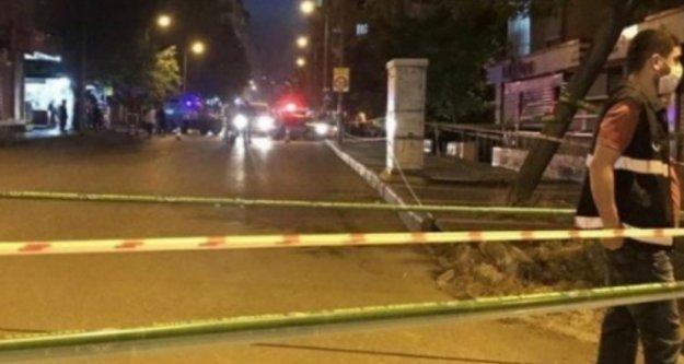 Alanya'da çatlak bina paniği! Jandarma boşalttı