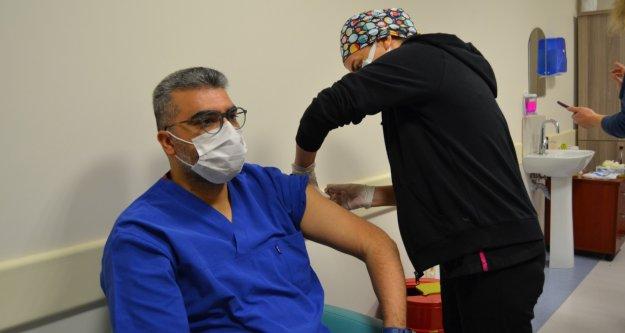 Alanya'da Covid-19 aşısı yapılan kişi sayısını açıkladı