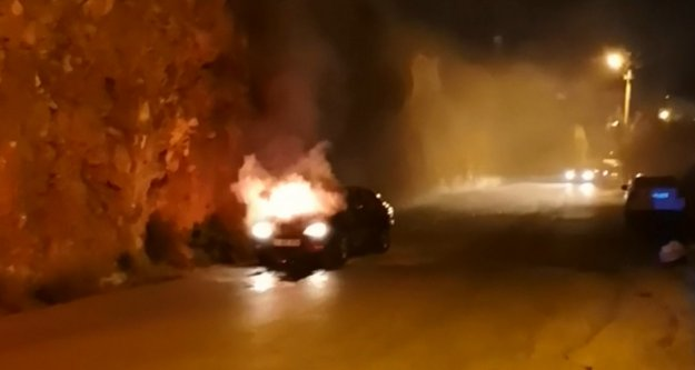 Alanya'da korkutan araç yangını
