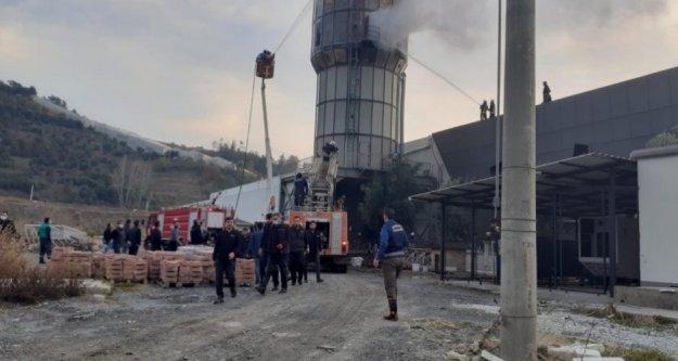 Alanya'da orman ürün deposunda korkutan yangın