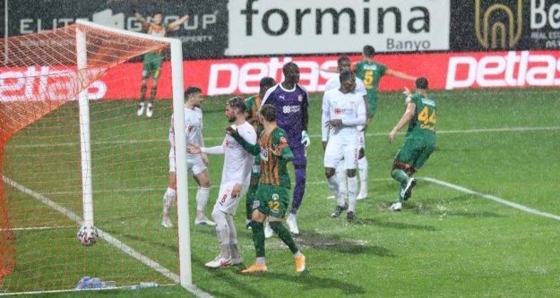 Alanyaspor'un Kayseri maçı da ertelendi