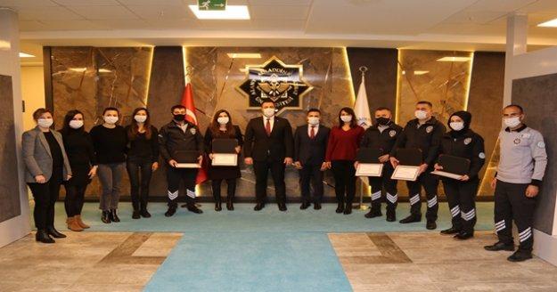 ALKÜ'de ilk kursiyerler sertifikalarını aldı