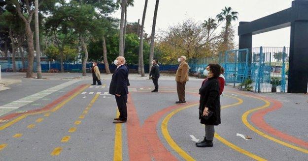 Antalya'da duygulandıran İstiklal Marşı töreni