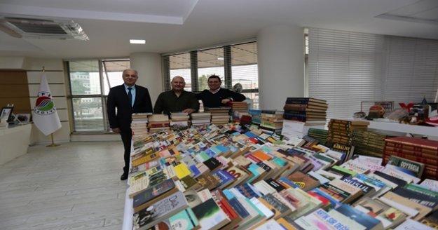 Cemil Meriç 'te kitap sayısı 50 bini buldu