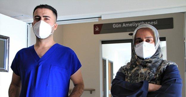 Covid-19'u iki kez atlatıp görevlerine dönen sağlıkçılar uyardı: 'Bu işin şakası yok'