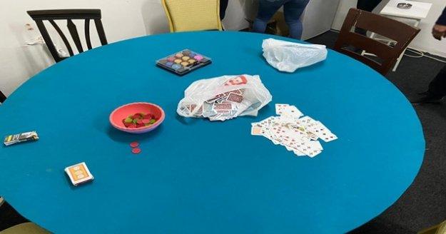 Kapalı alanda kumar oynayan 21 kişiye 66 bin 150 lira para cezası