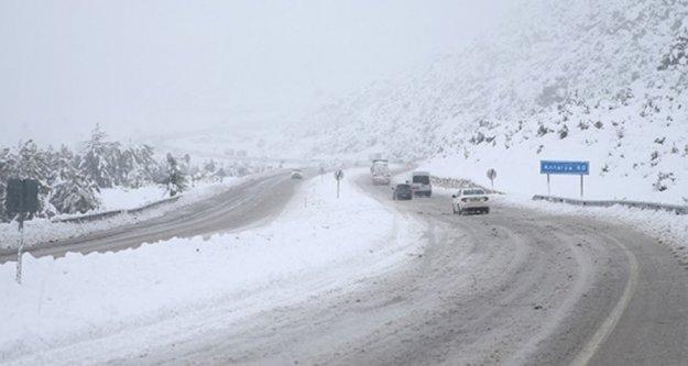 Meteoroloji'den Antalya ve ilçeleri için sağanak ve kar yağışı uyarısı