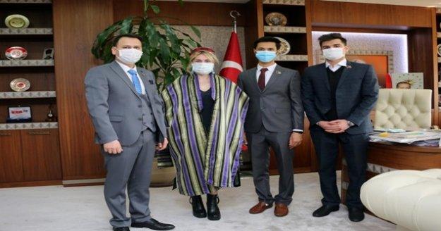 Afganistanlı baba-kızın üniversitesi başarısı